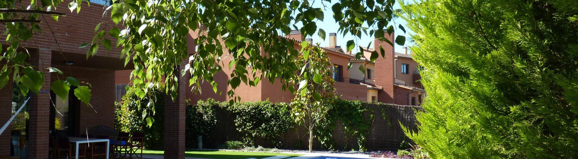Jardí i piscina a Santa Agnès