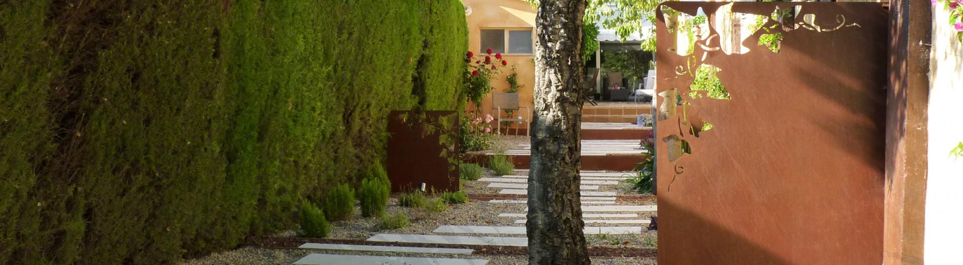 Jardí a Olesa de Montserrat