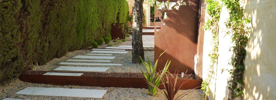 Disseny de jardi amb acer corten Olesa