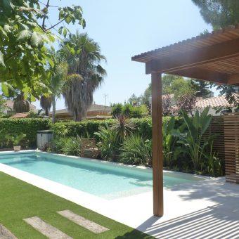 Jardín y piscina en Tarragona