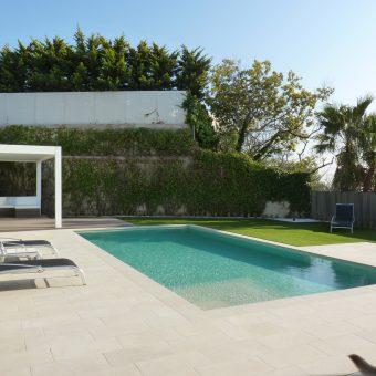 Jardí i piscina a Esplugues