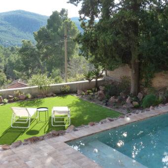 Garden & pool in Corbera