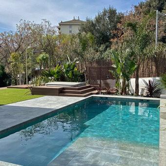 Garden & pool in St Cugat