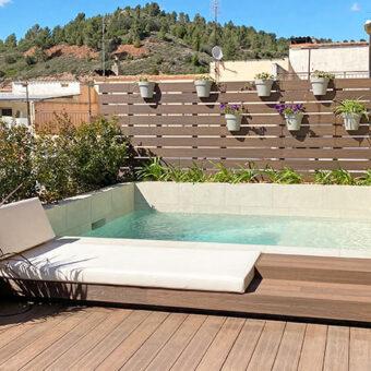 Terrace & pool in Sallent